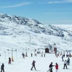 Neve mantém cortadas estradas de acesso ao maciço central da Serra da Estrela