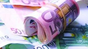 Detido por passagem de moeda  falsa e suspeita de contrafação
