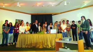 12 participantes no concurso e entidades