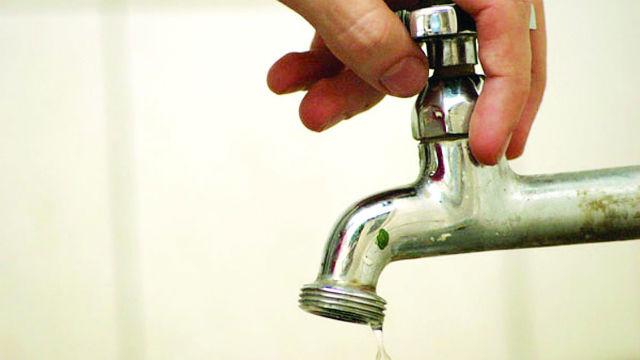 Autarcas receiam que reestruturação leve a privatização do setor da água