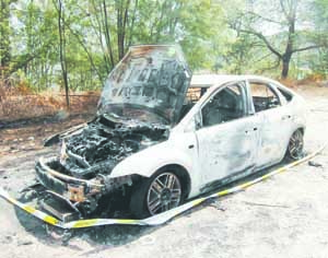 03 carro ardido