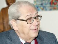 António Arnaut quer profissionais de saúde com carreira idêntica à magistratura