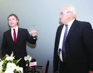 Pedro Coimbra e Victor Carvalho, presidente e administrador da Águas de Coimbra. FOTO CARLOS JORGE MONTEIRO