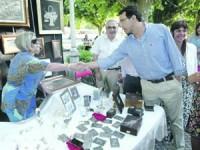O presidente da Câmara da Lousã e elementos do executivo municipal visitaram a feira. FOTO LUÍS CARREGÃ