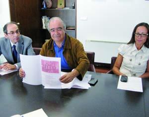 Jorge Lé, Domingos Silva e Fernanda Conde na apresentação do programa das comemorações. FOTO CLÁUDIA TRINDADE