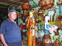Vítor Pratas quer dar conjuntos em madeira aos seus filhos. FOTO JOANA SANTOS