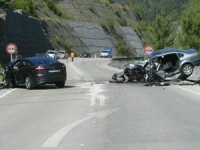 Acidente teve lugar na EN342 logo a seguir à cortada para Miranda do Corvo. FOTO LUÍS CARREGÃ