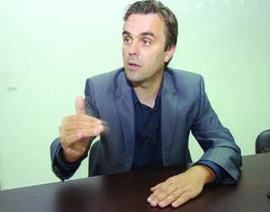 Carlos Cortes, presidente da secção regional do Centro da Ordem dos Médicos. FOTO CARLOS JORGE MONTEIRO
