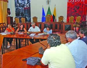 Segundo José de Oliveira e Sousa, transporte escolar custa 20 mil euros por ano. FOTO CARLOS JORGE MONTEIRO
