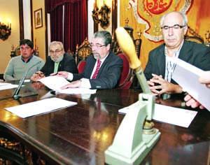 Câmara de Coimbra assinou contratos de empregador público, com sindicatos da CGTP-IN e UGT. FOTO LUÍS CARREGÃ