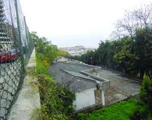 Será possível descer da rua de Aveiro a partir da atual entrada do quartel. FOTO DB/CARLOS JORGE MONTEIRO