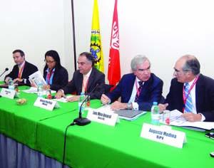 Artur Marques, Filomena Pires, Horácio Pina Prata, Luís Mira Amaral e Augusto Medina. FOTO DB/LUÍS CARREGÃ