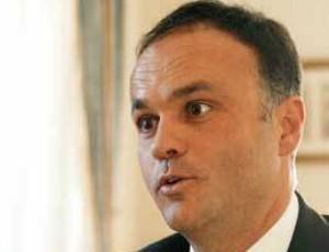 Ex-secretário de Estado Paulo Campos visitou Sócrates na prisão