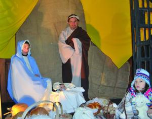 Após a cerimónia, as pessoas que pretenderem podem visitar o presépio. FOTO DR