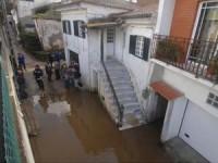 Cheias do Ceira continuam a isolar duas famílias em aldeia de Miranda do Corvo