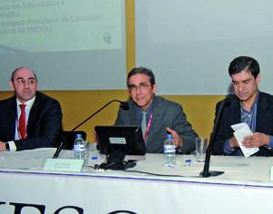 Armando Veiga, Rui Antunes e Manuel Castelo Branco durante a sessão de abertura do X ENESOL. FOTO DB/CARLOS JORGE MONTEIRO