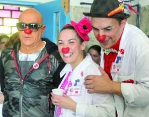 Pedro Abrunhosa com a dupla Palhaços d' Opital. FOTO PEDRO AGOSTINHO CRUZ