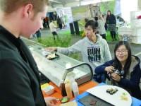 Sushi de lampreia conferiu exotismo à mostra de gastronomia