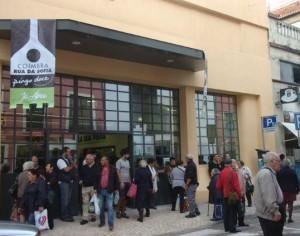 Promoções em mais de uma centena de produtos em dia de fraca greve nos hipermercados