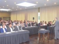 Debate de ideias de saúde e direito  com especialistas mundiais