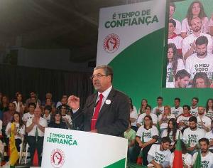 """Manuel Machado (PS) diz que """"convém"""" ao PCP e Bloco a """"vitória da direita"""""""