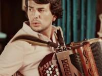 João Gentil: o acordeonista que traz a música junto ao coração
