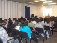 """Debate sobre """"O Poder dos/as jovens nas decisões locais"""" em Gouveia"""