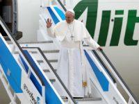 Papa já está em Portugal