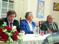 Transparência e direitos em debate na Casa da Dignidade