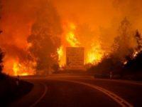 Um bombeiro desaparecido, vários feridos e casas cercadas pelas chamas