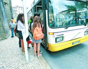 SMTUC ponderam parar autocarros durante 24 horas