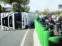 Camião capota e corta circulação na Ponte do Açude
