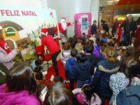 Pai Natal conheceu crianças da S. Bartolomeu nos CTT