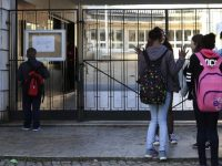 Greve de funcionários das escolas anunciada para 4 de maio
