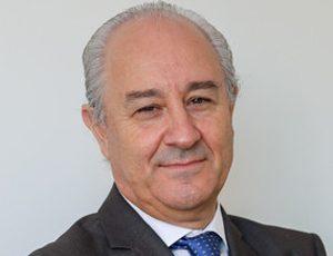 """António Arnaut é uma """"figura incontornável"""" do pós 25 de Abril"""