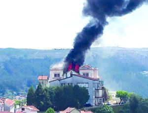 PJ investiga incêndio num hotel em Penacova