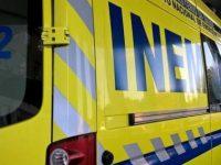 Dois feridos graves em acidente com trator