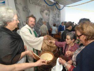 Pão de Santo António para os que mais precisam