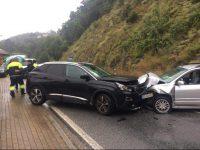 Choque frontal fez dois feridos hoje à tarde na Estrada da Beira, em Ceira