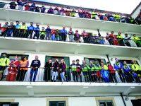 Pais natais ciclistas dão toneladas de prendas em Coimbra