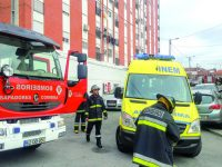 Fogo em casa na rua António José de Almeida fere casal