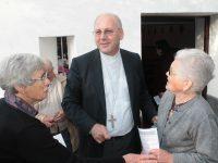 Cáritas e bispo de Coimbra visitam casas reconstruídas em Pedrógão Grande