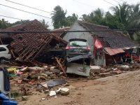 Mais de 200 mortos em tsunami na manhã deste domingo na Indonésia