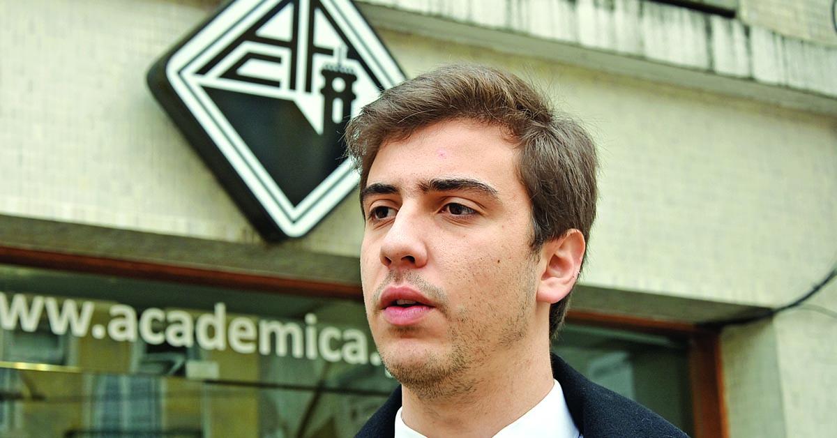 Daniel Azenha reeleito presidente da Academia de Coimbra num ato com 82% de abstenção