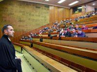Veteranos da Universidade de Coimbra expulsam João Luís Jesus e elegem novo dux