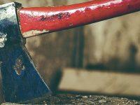 """Homem acusado de tentar matar cunhado com machado diz que só queria """"assustar"""""""
