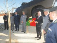 Chaimite usado no 25 de Abril é novo monumento da vila de Soure