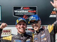 Filipe Albuquerque e João Barbosa vencem em prova do campeonato de automobilismo  nos EUA