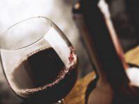 ASAE apreende em vários pontos do país cerca de 4.000 litros de vinho adulterado