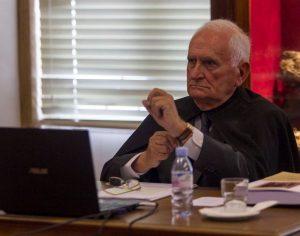 """Livro revela percurso de Pezarat Correia,  """"um rebelde competente"""""""